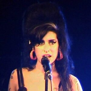 """berlinfotos (https://commons.wikimedia.org/wiki/File:AmyWinehouseBerlin2007.jpg), """"AmyWinehouseBerlin2007"""", https://creativecommons.org/licenses/by/2.0/legalcode"""